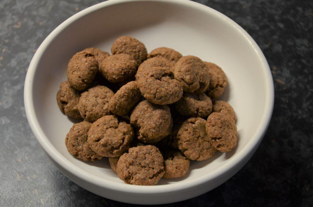 Kruidnoten, a bowl with kruidnoten
