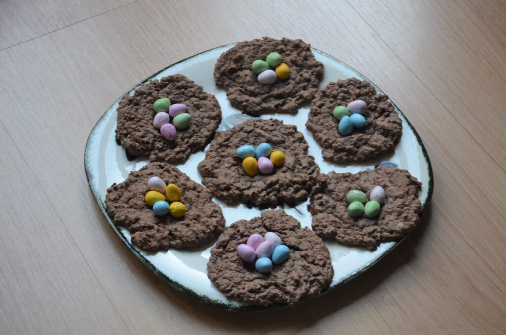 Chocolate Easter Nests, a plate with 7 cookies on them