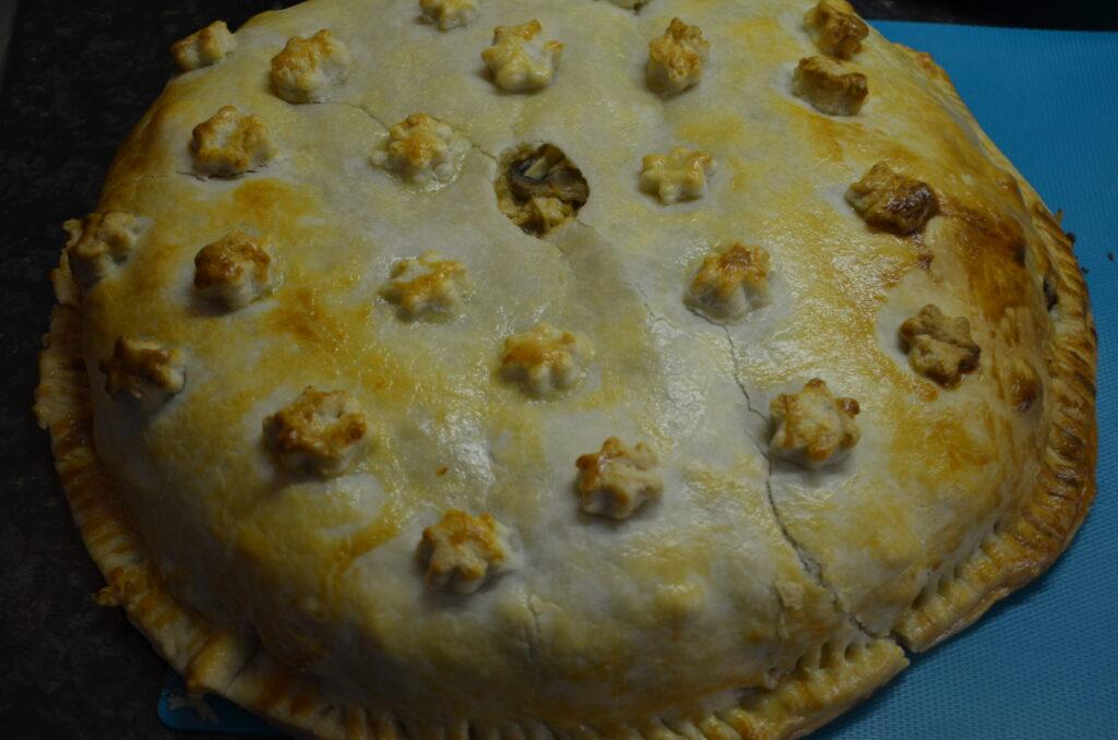 Kurnik, a Russian dome pie